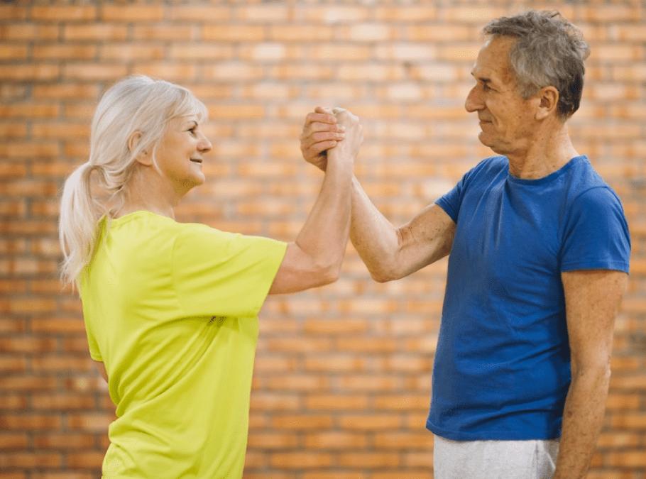 Nova classe grupal d'estiraments i exercicis terapèutics per a gent gran o amb problemes de mobilitat.